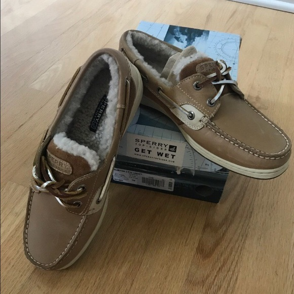 Sperry fuzzy boat shoes